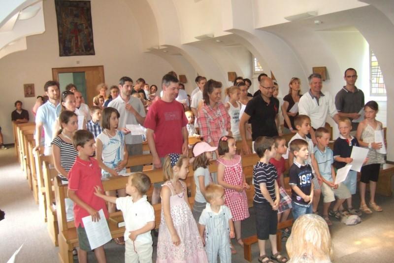 Pèlerinage des pères 2012, 8 : célébration en familles à Bourguillon,  dans la chapelle de Centre formation