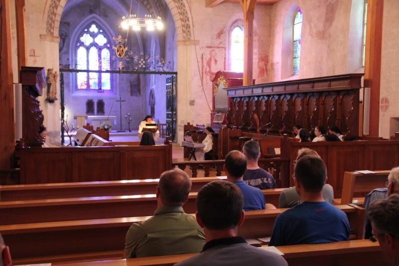 Pèlerinage des pères 2013, 2 : Prière de l'office avec les sœurs de l'Abbaye de la Fille-Dieu, Romont