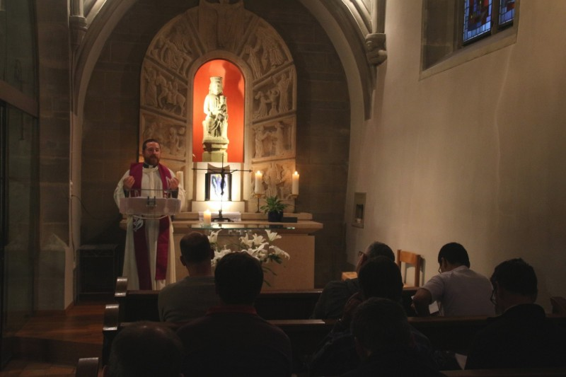 Pèlerinage des pères 2016, 8 : Veillée dans la Collégiale de Romont.