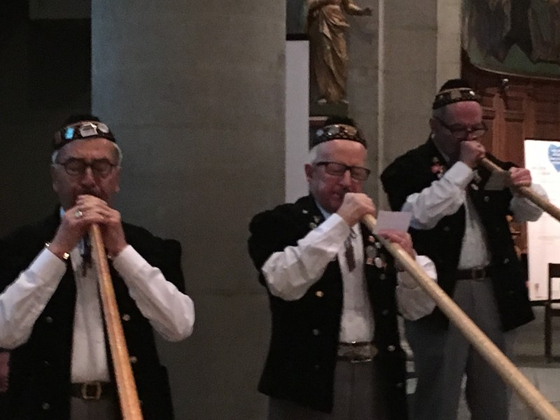 Pfarreifest 2016 in ND du Valentin mit Alphornspieler