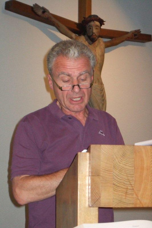 Pèlerinage des pères 2011, 7 : M. Philippe Oswald qui nous guide dans nos échanges-