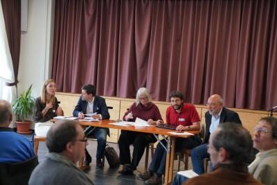 Table ronde attentive avec de gauche à droite Aliénor de Fougeroux, Sébastien Kulling, Brigitte Gobbé, Michael Gonin et Olivier Leuenberger