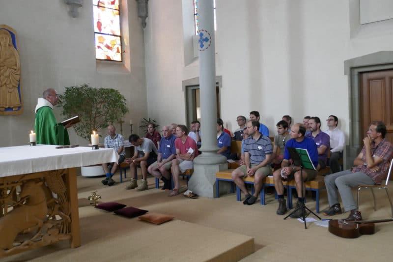 Pèlerinage des pères 2018-7 : Célébration de l'Eucharistie à Corpataux