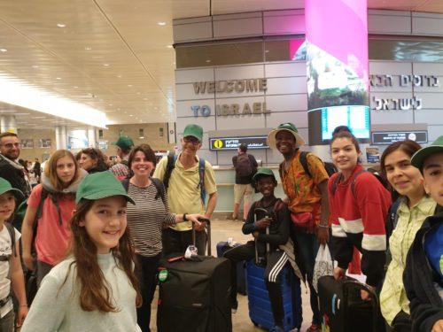 Les Siloïstes à l'aéroport de Tel-Aviv
