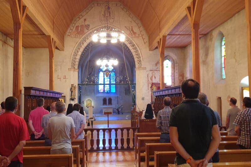 Prière de l'office avec les moniales de l'abbaye de la Fille-Dieu