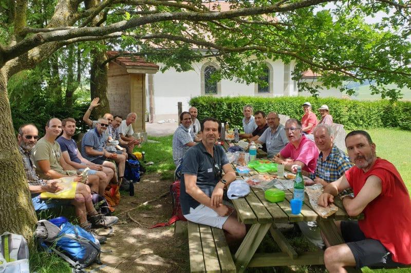 Repas partagé près de la Chapelle du Bois